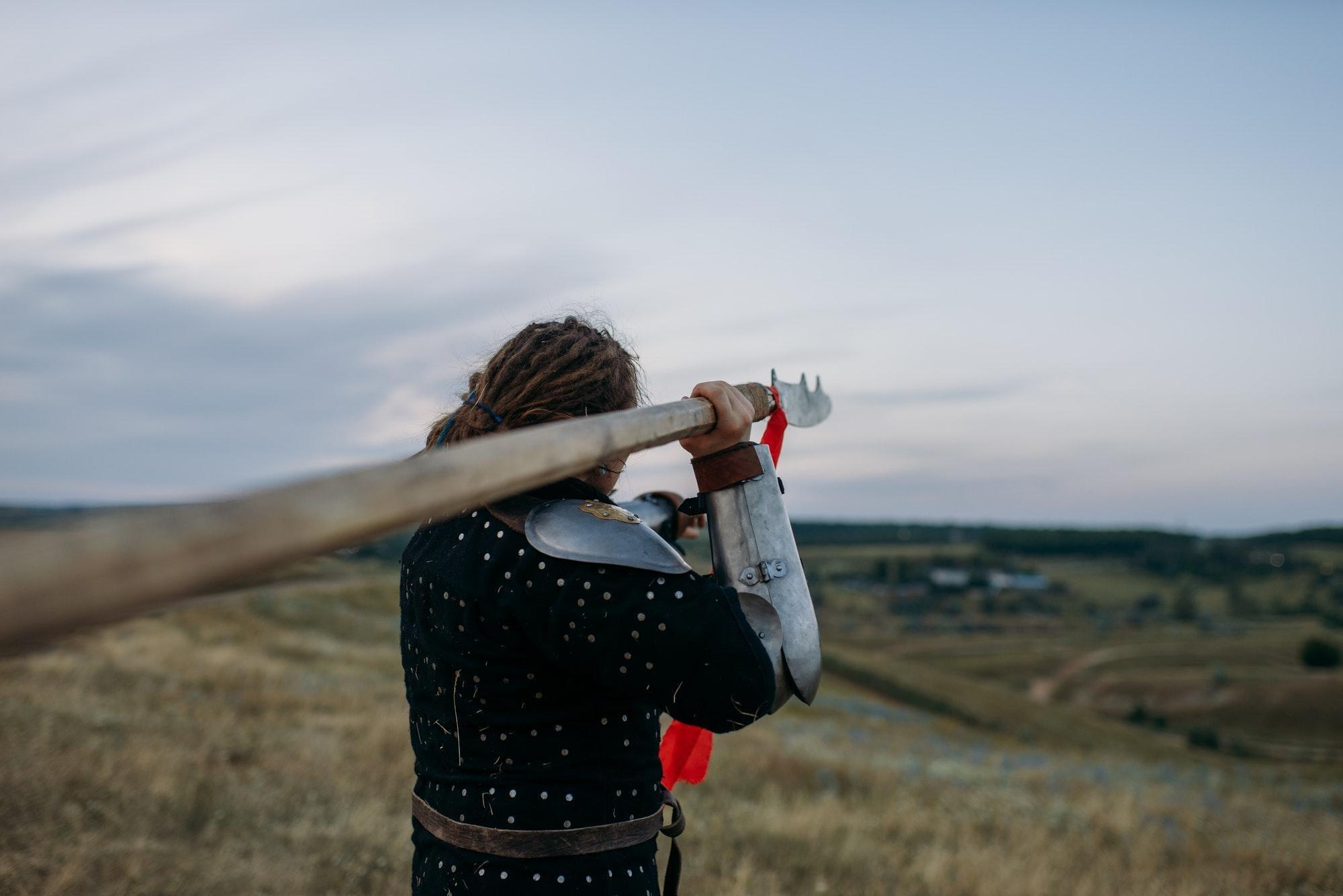 Skirmisher throwing javelin